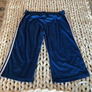 🌟 XL Adidas Cropped Workout Pants